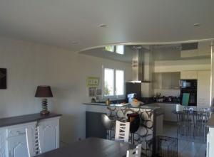 Salon et cuisine - plafond-tendu