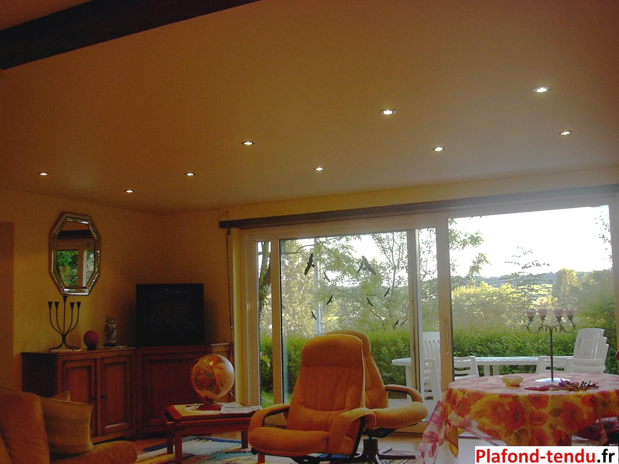 comment poser un plafond tendu soi meme cool beautiful pose plafond tendu luxtend la baule. Black Bedroom Furniture Sets. Home Design Ideas
